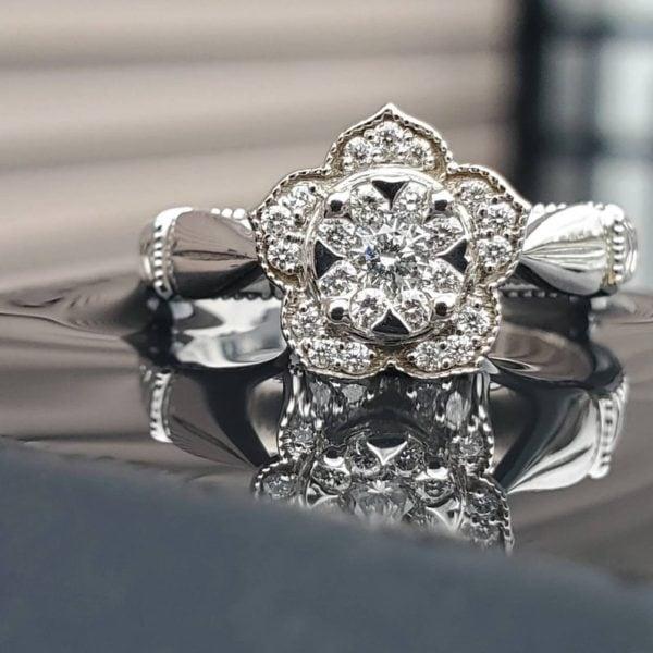 14k White Gold Flower Design Diamond Ring