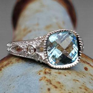 14k White Gold Aquamarine Vintage-Style Ring